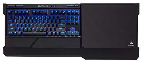 Corsair K63 Kabellose Mechanische Gaming-Tastatur (Cherry MX Red, blaue LED-Hintergrundbeleuchtung, Qwertz) schwarz +  Corsair K63 Kabelloses Gaming-Lapboard (für die Kabellose K63 Gaming-Tastatur)