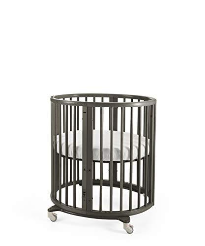 STOKKE® Sleepi™ Mini – Mitwachsendes Bett für Kinder aus massivem Holz – Gitterbett in ovaler Form zum Wohlfühlen – Inkl. Matratze – Farbe: Hazy Grey