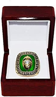GREEN BAY PACKERS (Bart Starr) 1965 SUPER BOWL WORLD CHAMPIONS (NFL Championship Game Vs. Browns) Replica Gold NFL Championship Ring with Cherrywood Display Box