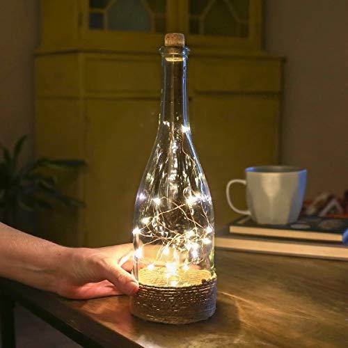 batteriebetriebene Deko Glas Flasche – mit Mikro LEDs in warmweiß, auf kupferfarbenen Draht angebracht, von Festive Lights