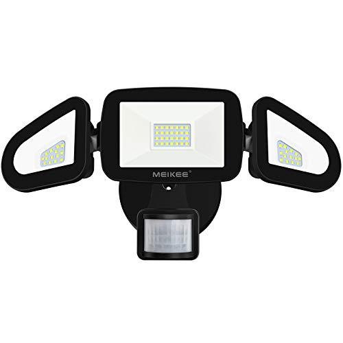 MEIKEE LED Strahler mit Bewegungsmelder 42W 4200LM Außenstrahler IP65 Wasserdicht Flutlicht 6500K Drei-Kopf 180°Verstellbar Sicherheitslicht für Garage Garten Terrasse Hof