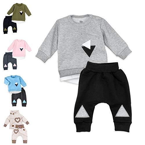 Baby Sweets Unisex 2er Baby-Set mit Hose & Shirt für Mädchen & Jungen/Baby-Erstausstattung in Grau-Schwarz im Triangle-Motiv/Baby-Kleidung aus Baumwolle in Größe: 12-18 Monate (86)