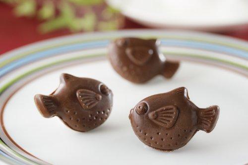 亀の甲せんべいの江戸金 下関名物 ふくの形のかわいいチョコレート「ふくちょこ」10個入り ※但し5月から9月は休売させて頂きます。