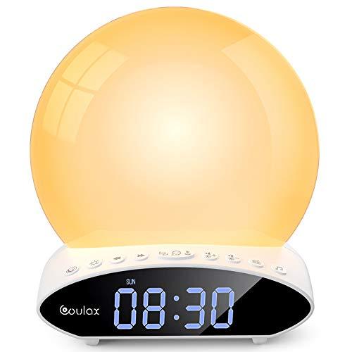 COULAX Despertador luminoso con proyección de luz diurna, despertador digital, 2 alarmas, 30 sonidos, 7 colores, lámpara de mesita de noche, radio FM