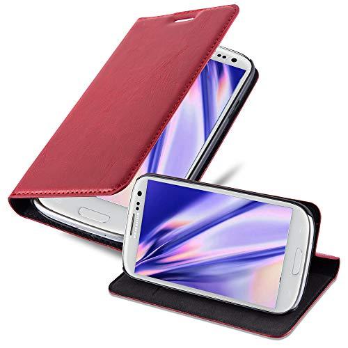 Cadorabo Hülle für Samsung Galaxy S3 / S3 NEO in Apfel ROT - Handyhülle mit Magnetverschluss, Standfunktion & Kartenfach - Hülle Cover Schutzhülle Etui Tasche Book Klapp Style