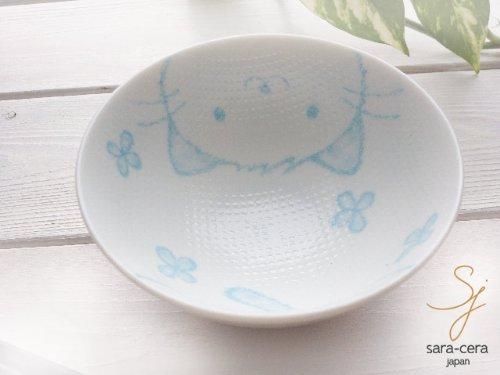 内側にもキュートなネコの絵が描かれているだけでなく、つぶつぶでデコボコしているため、ごはんが付きにくく、最後のご飯1粒までしっかりいただけます。しかも安心の日本製で、電子レンジ ・食器洗浄機 ・オーブン に使えるのも嬉しいポイントです。