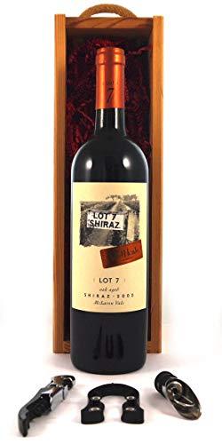 Red Heads Lot 7 Shiraz 2003 Mclaren Vale en una caja de madera con tres accesorios de vino, 1 x 750ml