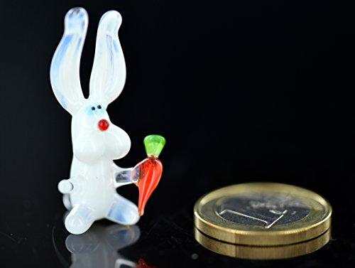 Weißes Kaninchen mit Möhre - Hase mit Möhrchen Weiß Rot Mini - Häschen mit Karotte - Miniatur Figur aus Glas - Glastier Glasfigur Deko Osterdekoration Frühlingsdekoration Setzkasten Vitrine Osterhase