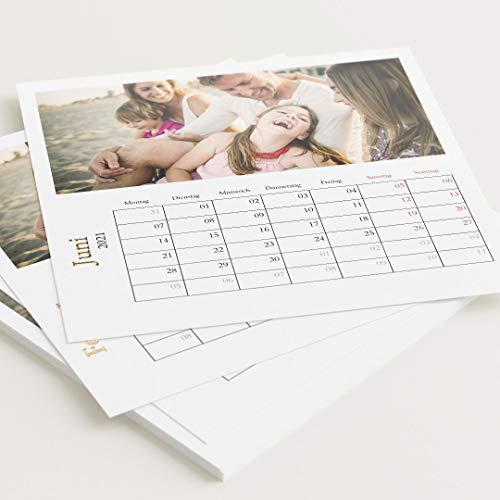 sendmoments Fotokalender 2021 mit Veredelung in Gold, Schönes Jahr, Kalender für Digitale Fotos, Tischkalender mit persönlichen Bildern, quadratisch 145x145