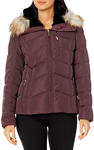 Calvin Klein Women s Chevron Quilted Short Down Coat 1DT XL product image