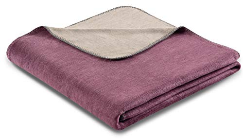 biederlack® samtig-weiche Kuschel-Decke aus Baumwolle & Dralon I Made in Germany I Öko-Tex I nachhaltig produziert I Couch-Decke Double Optic in violett-Stein I Sofa-Decke in 150x200 cm