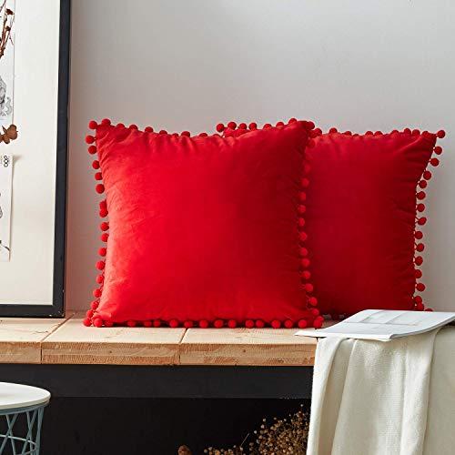 Angel's Pride Juego de 2 cojines de terciopelo con pompones monocromáticos fundas de cojín decorativo, funda de almohada para sofá, dormitorio, oficina, coche, 45 x 45 cm (rojo)