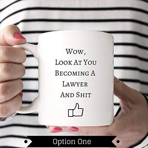 """Lplpol New Lawyer Tasse mit Aufschrift """"Look at You Becoming A Lawyer"""", lustiges Geschenk für Anwalt, weiß, 15 oz"""