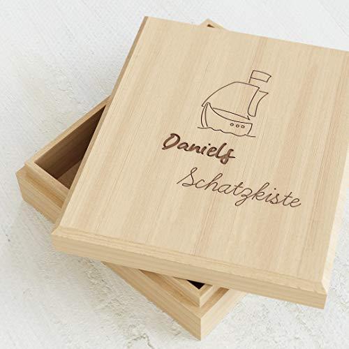 sendmoments Schatzkiste für Kinder, schönes Schiff Motiv, Holzbox zum Sammeln von Fundstücken und kleinen Geschenken für Jungen und Mädchen, gravierte Schatulle 113 x 130 mm mit Name personalisiert