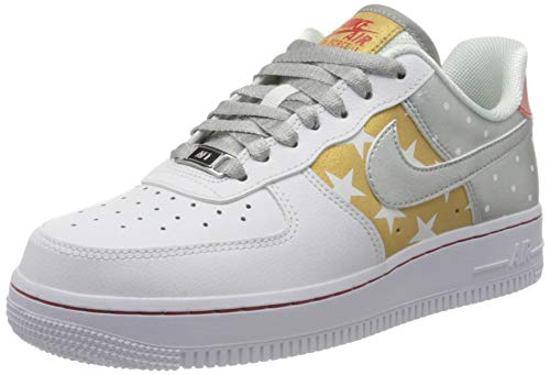Nike WMNS Air Force 1 '07, Chaussure de Basketball Femme, White/Metallic Silver-Metallic Gold, 37.5 EU