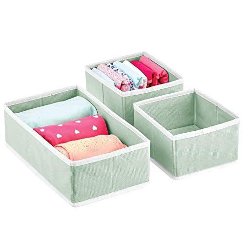 mDesign Juego de 3 Cajas para Guardar Ropa – Organizador de Armario en 2 tamaños para Dormitorio y Cuarto Infantil – Cajas organizadoras de Fibra sintética con diseño Atractivo – Verde Menta y Blanco