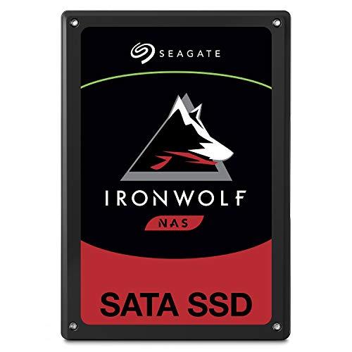 Seagate IronWolf 110 SSD, interne SATA SSD für NAS 240 GB, 2.5 Zoll, bis zu 560 Mb/s, schwarz, FFP, inkl. 2 Jahre Rescue Service, Modellnr.: ZA240NM10001