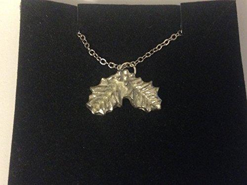 Collar con cadena de eslabones chapados en plata de 50,8 cm, con diseño de hojas de acebo FT83