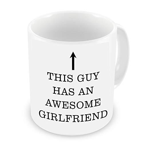 """GrassVillage Tasse mit Aufschrift \""""This Guy Has an Awesome Girlfriend\"""", weiß, lustig, Sarcasm, 313 ml"""