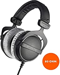 Closed over-ear headphones, ideal for professional recording and monitoring Perfect for studio and stage recordings thanks to their pure, high-resolution sound The soft, circumaural and replaceable velour ear pads ensure high wearing comfort Hard-wea...