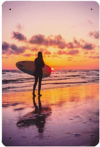 Letrero de metal personalizado Pintura de la naturaleza Surf Girl con tabla de surf con pinturas de colores cálidos del atardecer o del amanecer para el dormitorio