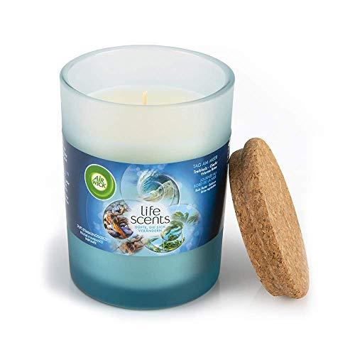 Air Wick Duft-Stimmungskerze – Duft: Tag am Meer – Mit Deckel aus Kork für langanhaltende Frische – 1 x Duftkerze in weiß im blauen Design-Glas
