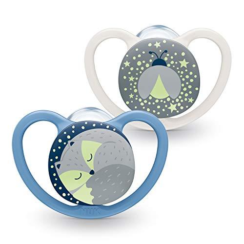 NUK Space Night Baby Dummy | 6-18 meses | Chupetes que brillan en la oscuridad con ventilación adicional | Silicona sin BPA | Fox & Firefly | 2 unidades