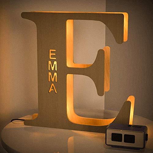 VEELU Lettres Lumières Personnalisés Prenom Alphabet Lumineux Lampe LED En Bois Gravé Mur Lumière pour Anniversaire Décoration Maison Noël
