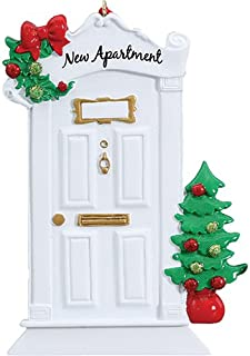 Personalized New Apartment Christmas Tree Ornament 2019 - White Door Wreath Garnish 1st Elegant Front First Home Family House-Mate Room Year - Free Customization