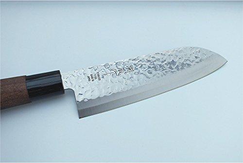 TOKYO design studio Santoku-Messer mit Hammerschlag-Optik, Chef-Messer, 165 mm Klingenlänge, rostfreier japanischer Messer-Stahl, beidseitig geschliffen, mit Holzgriff, Original Made in Japan