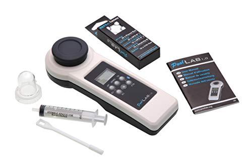 POWERHAUS24 Special Edition: 13 in 1 PoolLAB® 1.0 elektronischer Wassertester mit 70 Testtabletten inkl. Ersatzküvette