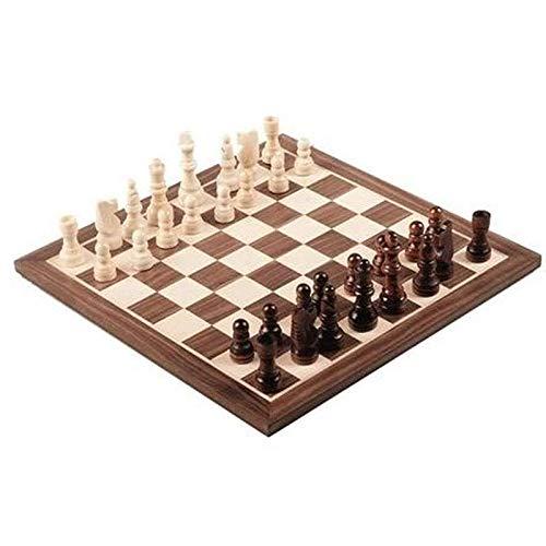Jeu d'échecs complet, plateau et pièces en bois