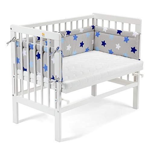 FabiMax 4608 Beistellbett BASIC weiß, inkl. Matratze COMFORT und Nestchen blaue Sterne auf grau