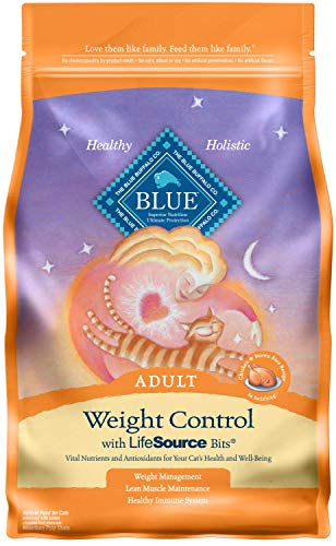 Price comparison product image Blue Buffalo Weight Control Natural Adult Dry Cat Food,  Chicken & Brown Rice 7-lb