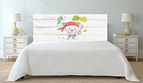 Cabecero para cama de cartón con dibujo de oso pirata.