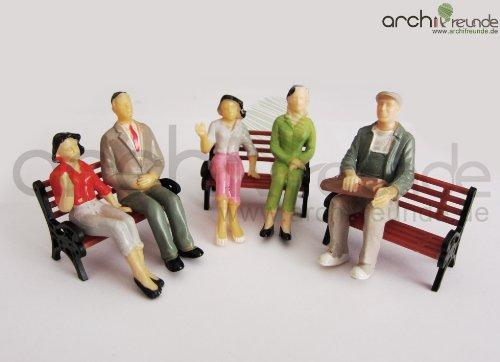 8 x Modell Figuren, sitzende, handbemalt, für Modellbau 1:25, LGB Spur G, ohne Bank!