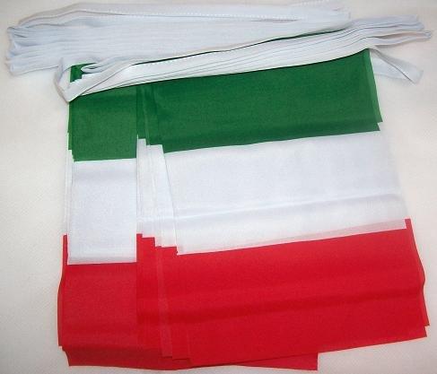 AZ FLAG Ghirlanda 6 Metri 20 Bandiere Italia 21x15cm - Bandiera Italiana 15 x 21 cm - Festone BANDIERINE