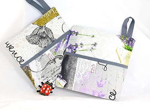 Zwei Topflappen * Lavendel* ca. 20 x 20 cm, Hellgrau bedruckt, mit Eingriff, Baumwolldruck