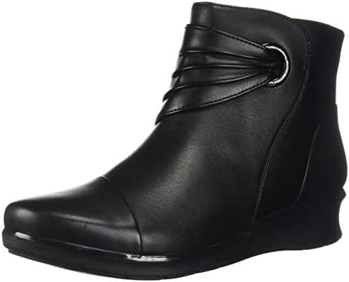 Short flat black boots