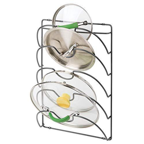 mDesign Soportes de pared para utensilios y menaje de cocina con 5 apartados – Práctico organizador de tapas de ollas y sartenes – Útil organizador de cocina de metal para pared y armarios – gris