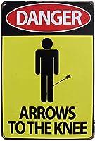 膝の壁への危険な矢金属ポスターレトロなプラーク警告ブリキの看板ヴィンテージ鉄の絵画の装飾バーガレージカフェのための面白いハンギングクラフト