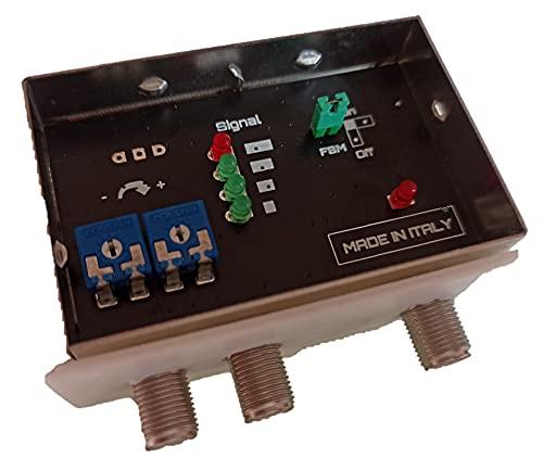 Amplificatore da palo per antenne digitali con visualizzatore dell'intensità del segnale ricevuto. Due ingressi: VHF da 15 a 32 dB, UHF da 18 a 34 dB, per zone con segnale debole.