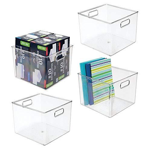 mDesign Juego de 4 contenedores de plástico para despacho – Organizador para Oficina para Armario o cajón – Caja organizadora con Asas para Guardar Sobres, bolígrafos y más – Transparente