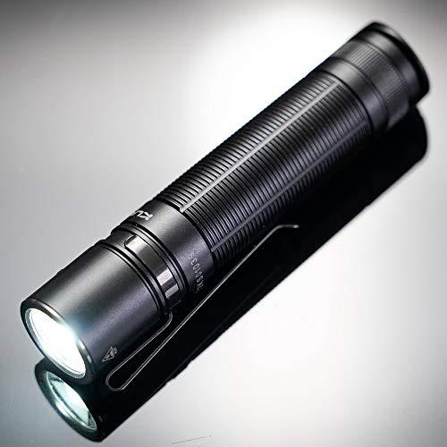 Klarus E2+ 1600 lumenes | Linterna de bolsillo LED 1600 lumenes, alcance max 190mts, IPX8, batería 18650 recargable de 3600mAh con carga externa microUSB