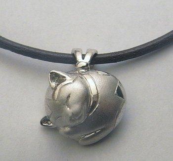 【ペット遺骨ペンダント】猫用デザイン【フタ接着タイプ】PT900・本革紐ネックレス付き