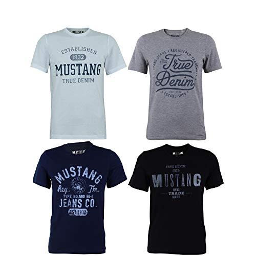 MUSTANG Herren T-Shirt 4er Pack Frontprint O-Neck Rundhalsausschnitt Kurzarm Regular Tee Shirt 100% Baumwolle Schwarz Weiß Grau Blau, Größe:S, Farbe:Farbmix (P13)
