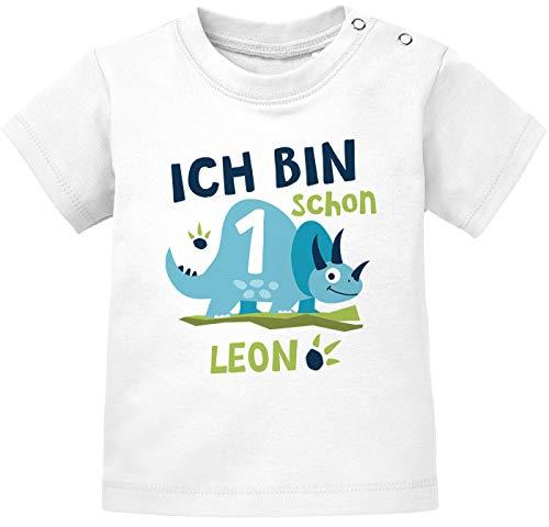 SpecialMe® Baby T-Shirt mit Namen und Zahl 1/2 Geschenk zum Geburtstag Dinosaurier Dino für Jungen 1 Jahr weiß 92/98 (16-24-Monate)