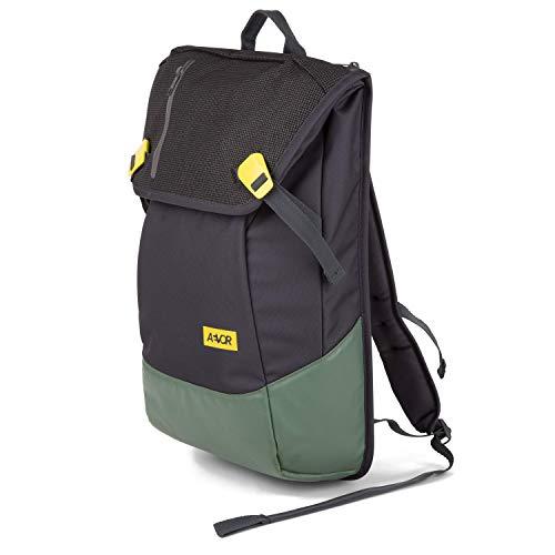 AEVOR Bookpack Echo - ergonomischer Rucksack, reflektierend, 26 Liter, Laptopfach, Skate Board Tragesystem - Green