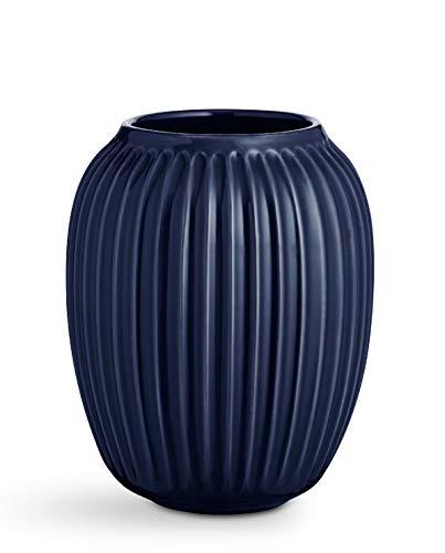 Hak Kähler Hammershoi Vase aus Porzellan mit Rillen, Moderne Vase, rund, bauchige, skandinavisches Design Vase für Blumen, Indigo, 21cm