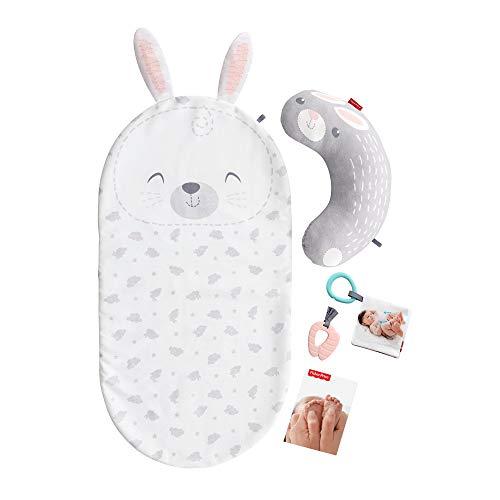 Fisher-Price Mon Coffret Bien-être avec bébé avec tapis lapin, coussin d'éveil, guide de massage et jouets amovibles, dès la naissance, GJD32